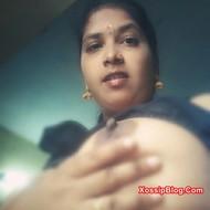 Mallu Bhabhi Showing Big Boobs