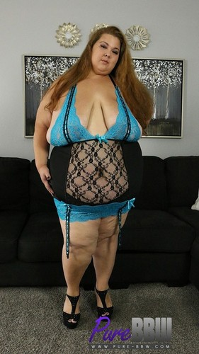 Pure-BBW.com – Lola Lovebug Lola Lovebug Is Back And Ready For Action [August 17, 2017]