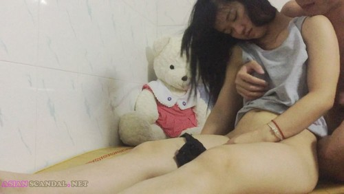 Asian S-leeping Beauty Creampied
