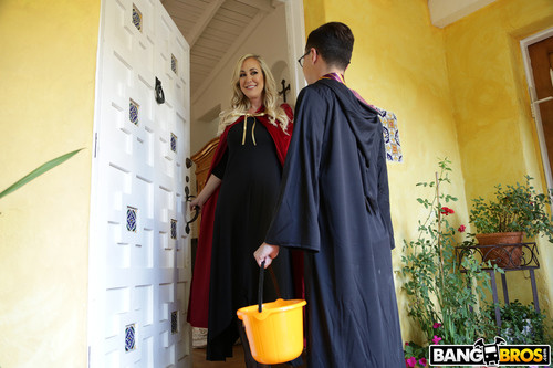 MomIsHorny.com – Brandi Love And Kenzie Reeves Halloween Special With A Threesome [October 28, 2017]