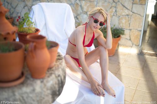 FTVGirls.com – Chloe Sunbathing Teaser [November 6, 2017]