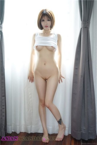 Chinese Meng Vivian Nude Photos & Videos