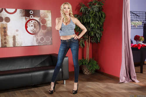 MommyGotBoobs.com – Briana Banks If The Bra Fits [June 26, 2017]
