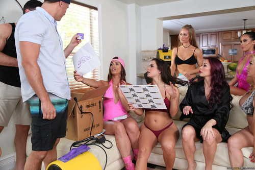 ZZSeries.com – Brazzers House 2 Day 2 [September 11, 2017]