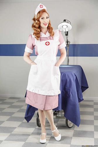 DoctorAdventures.com – Lauren Phillips The Navy Nurse [May 7, 2017]