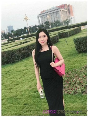 Chinese Singaporean Girlfriend Fucks In The Car 2