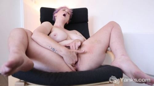 Yanks vera blue039s hot hairy pussy loving 6