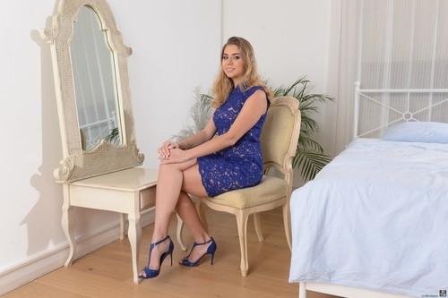 21Sextury.com – Julia Red Blonde Dp [February 2, 2018]