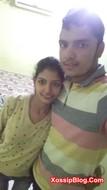 Desi girlfriend boobs pressed by her boyfriend