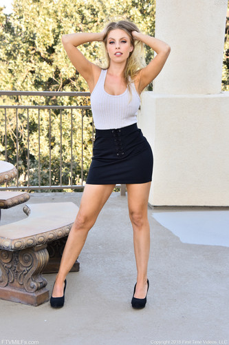 FTVMilfs.com – Britney Hillside View [January 16, 2018]