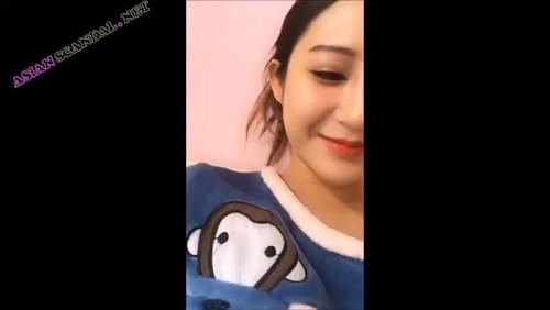 Beautiful Sexy Girl Masturbate & Shower in Video_480p
