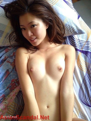 Singaporean blogger Christabel Chua aka Bellywellyjelly Naked Sexy Photos and Leaked Sex Tape Video