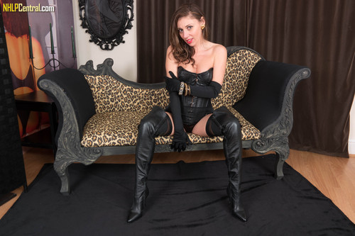 VintageFlash.com – French Chloe Leather And Nylon Time [April 19, 2018]