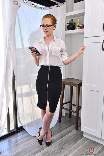 AMKingdom.com – Ella Hughes Coeds In Uniforms [April 8, 2018]