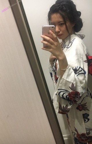 Slim Asian Teen Jerks Off Big Dick – Huge Cumshot