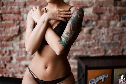 Suicidegirls.com – Valeriya Naked Skating [October 16, 2017]