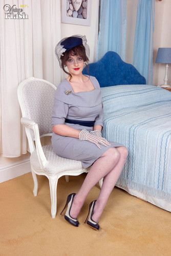 VintageFlash.com – Kate Anne Blue Bedside Behaviour [June 1, 2018]
