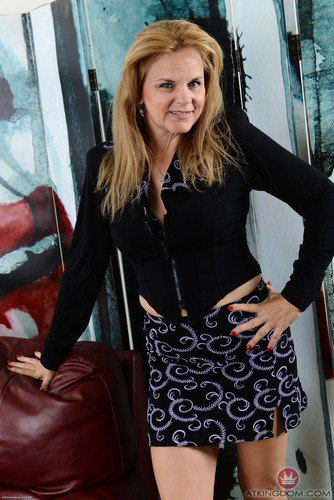 AuntJudys.com – Micky Lynn Over 40 [July 18, 2018]