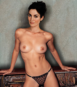 Carrie Anne Moss topless