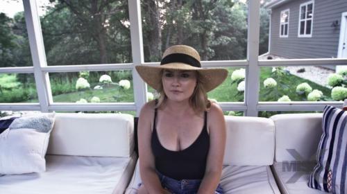 [MissaX] Britney Light Emma Hix And Penny Pax Insomniac (2018/2.75 GB/1080p)