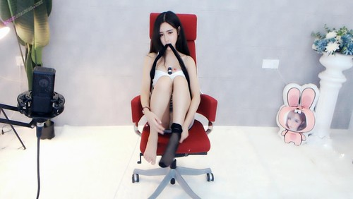 Chinese MC naked on webcam 15