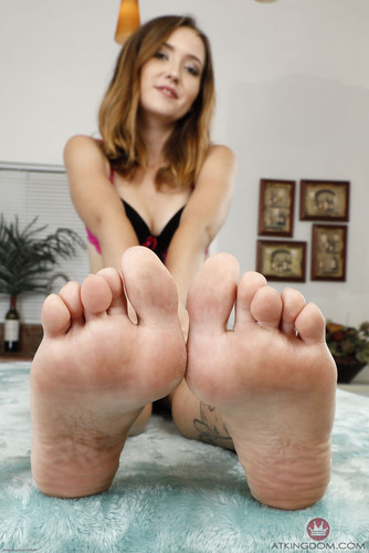 AmKingdom.com – Footfetish 4 Hardcore 134 Brielle Woods [October 14, 2018]