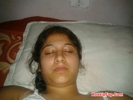 Busty Desi Girl Nude