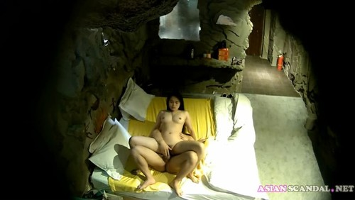 Chinese couple fuck in hotel