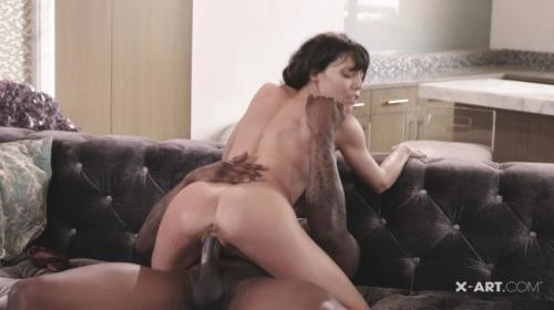 [X-Art] Vera Sex After Work (2019/4.31 GB/2160p)