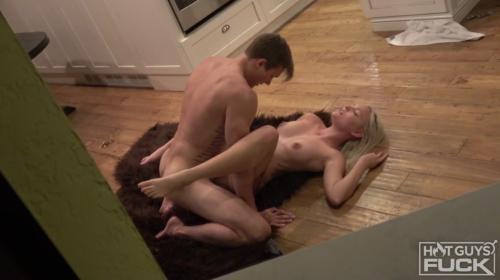 [HotGuysFuck] Ryan Lacey And Victoria Hobbs (2019/1.53 GB/1080p)