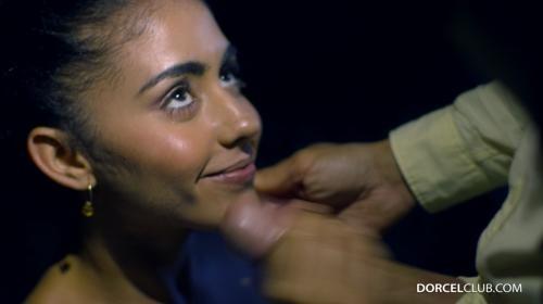 [DorcelClub] Aysha Blowjob In The Woods (2019/1.43 GB/2160p)