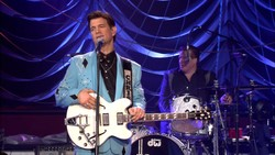 Chris Isaak - Live Concert and Greatest Hits (2012) [Blu-ray]