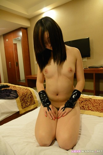 Super model Lei Lei naked at the hotel
