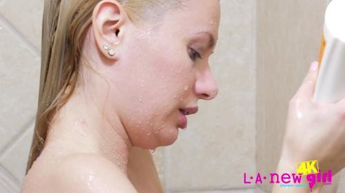 [LANewGirl] Kennedy Kressler Returns Again Shower (2019/838.65 MB/1080p)