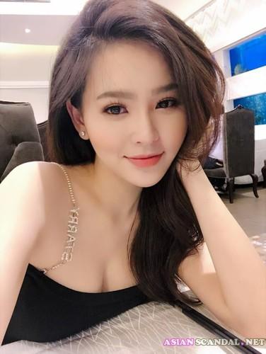 Actress Phi Huyen Trang SexTape Videos