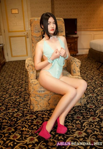 Beautiful chinese nude model at the hotel 3