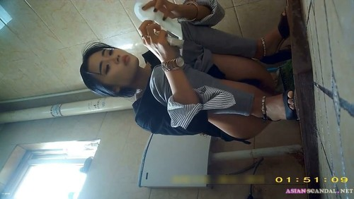 Chinese Lady In Toilet #17