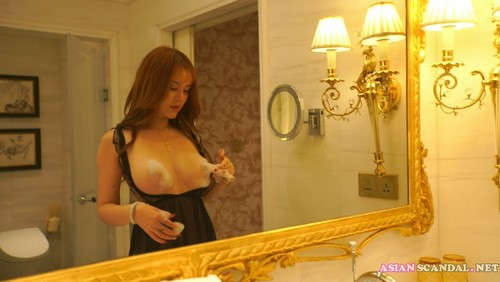 Beautiful chinese nude model at the hotel 7