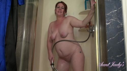 [AuntJudys] Roux Gets Off In The Shower For You (2019/1010.87 MB/1080p)