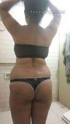 Busty Desi Bhabhi Preeti Nude Photos