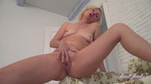 [AuntJudys] Kate Housewife Chores Masturbation (2019/600.77 MB/1080p)